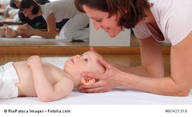 Gesichtsmassage Baby