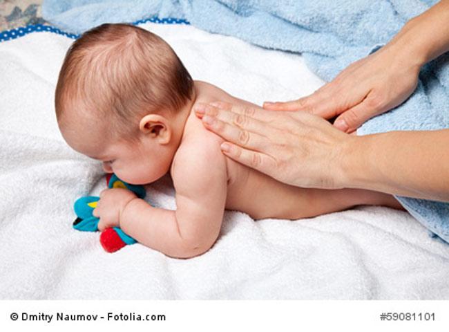 Rückenmassage Baby