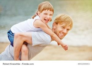 Alleinerziehender Vater mit Kind